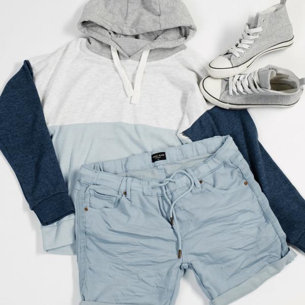 Outfit im Blau Trend