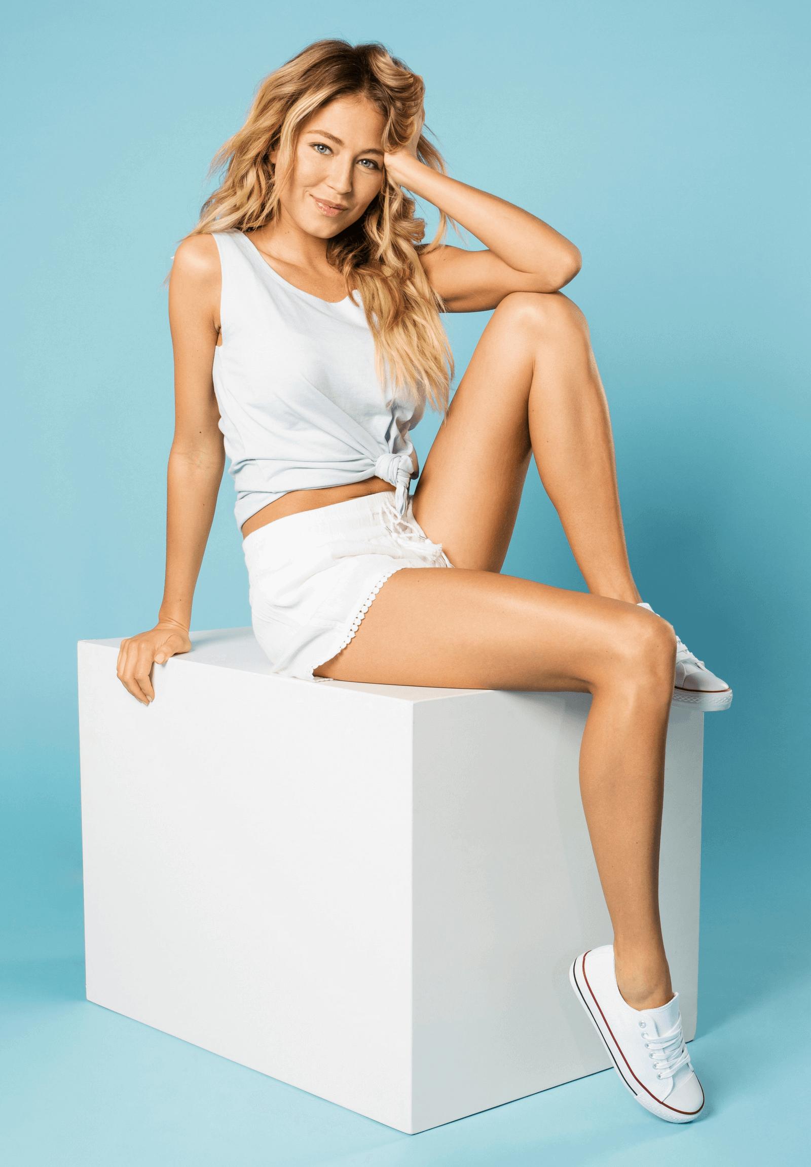 Outfit Hell-Blau mit Weiß