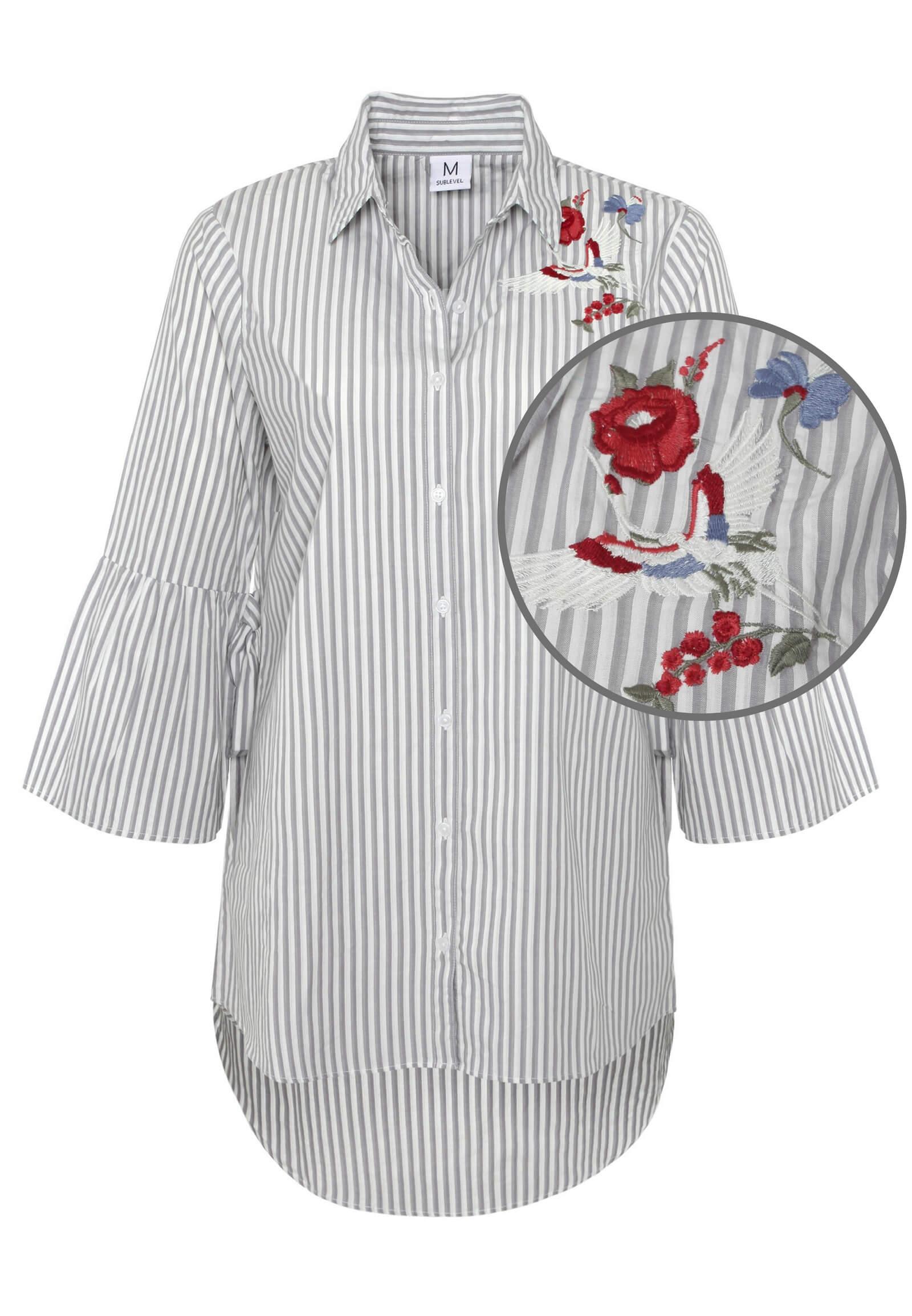 Bluse mit Stickerei