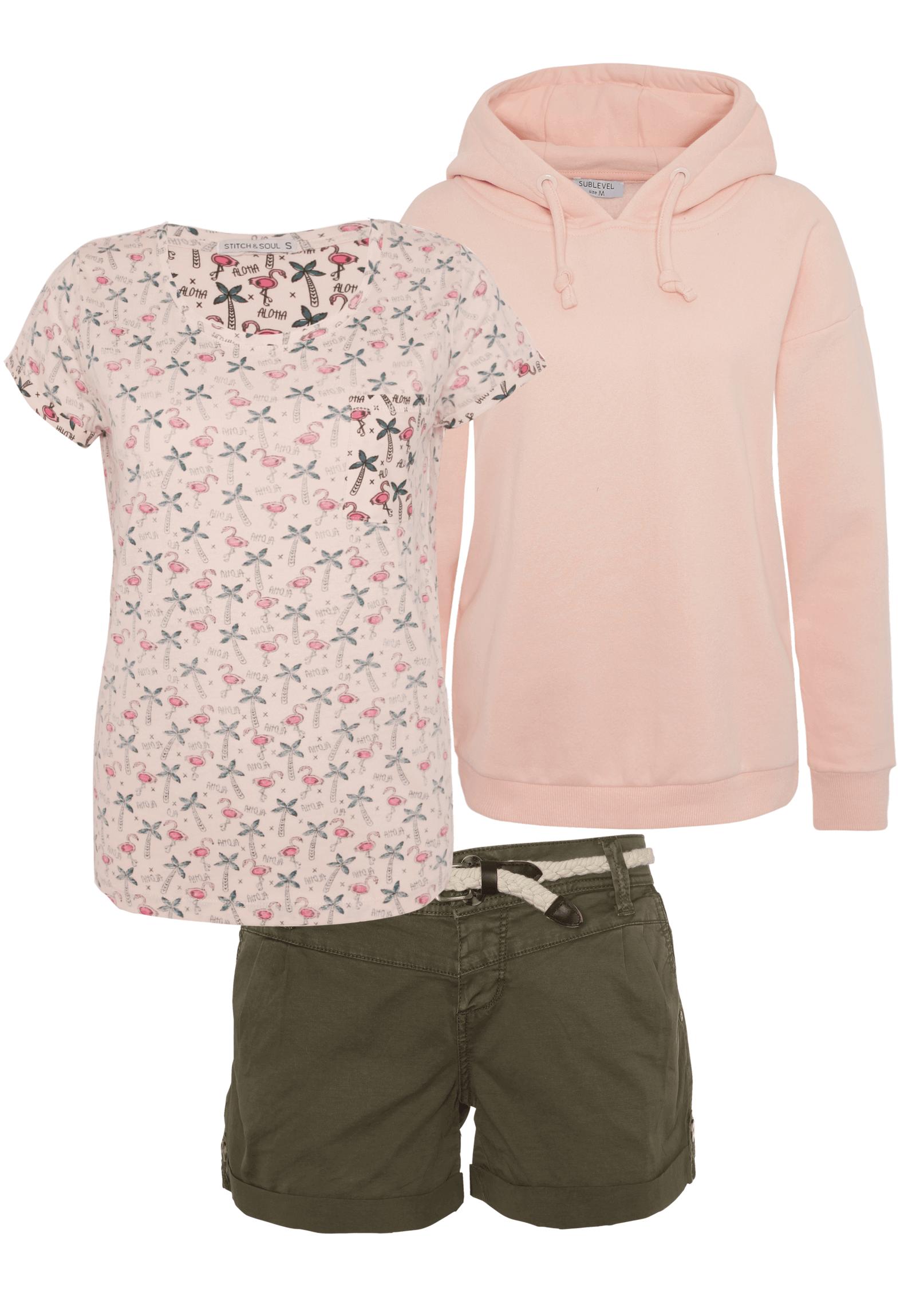 Outfit mit Rosa Oberteil und Khaki Shorts