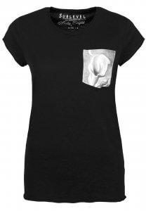 T-Shirt mit Brusttasche in schwarz